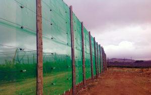 Malla cortavientos, malla de defensa frente al viento, malla antiviento, barreras contra el viento.